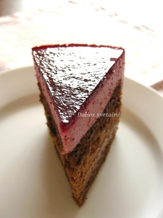 Brukniu ir sokolado tortas