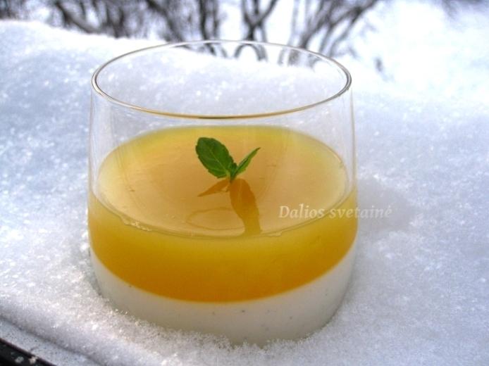 Panna. cotta su graik jogurtu ir citrusine zele