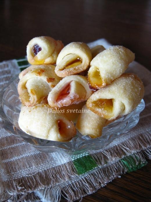 Sausainiai su saldainiais.