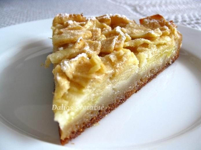 Toskanietiskas obuoliu. pyragas
